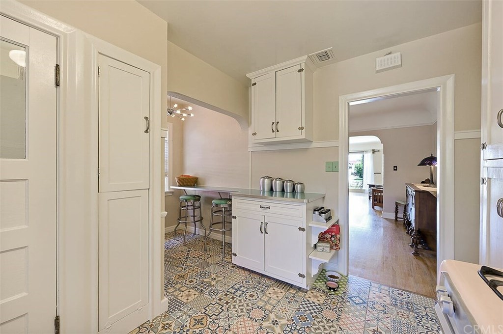 529 W Whiting Avenue-16