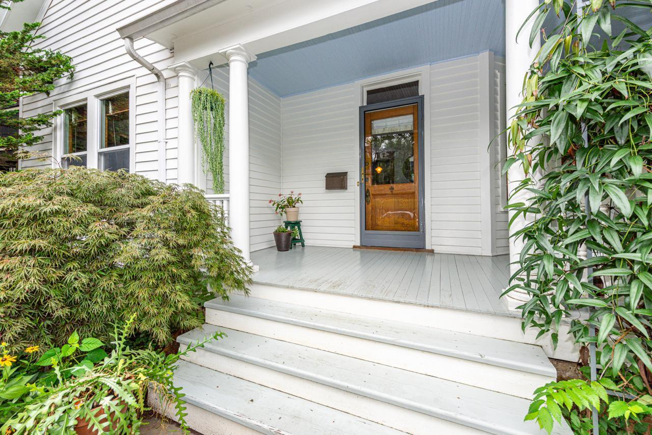1404  Armstrong Ave-2