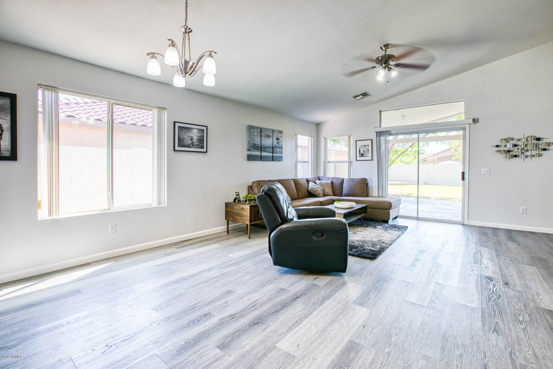 2335 E BROWNING  -9